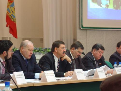 Исполнительная власть области обсудила национальные проекты.  25-1-2006, 15:50.